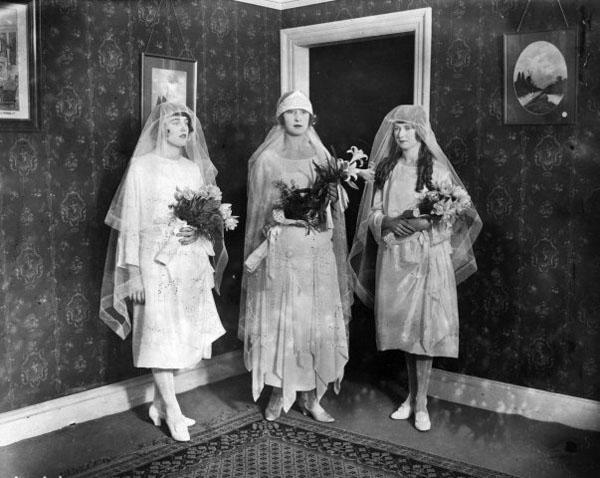 свадебные-платья-начала-20-века (600x478, 80Kb)