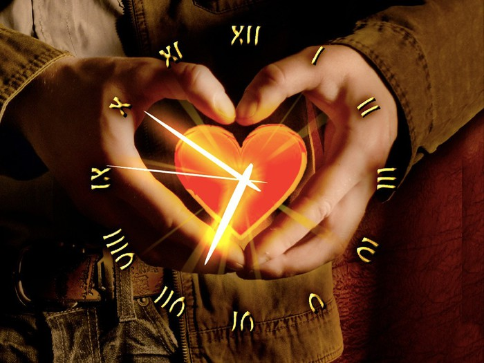 4080226_160887Love_Heart_Clock_ScreenSaver (700x525, 90Kb)