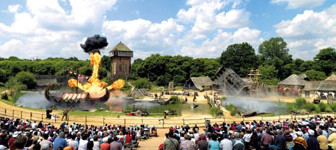 французский парк развлечений Puy du Fou 1 (670x300, 81Kb)