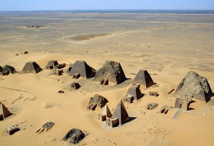 пирамиды Мэроэ 5