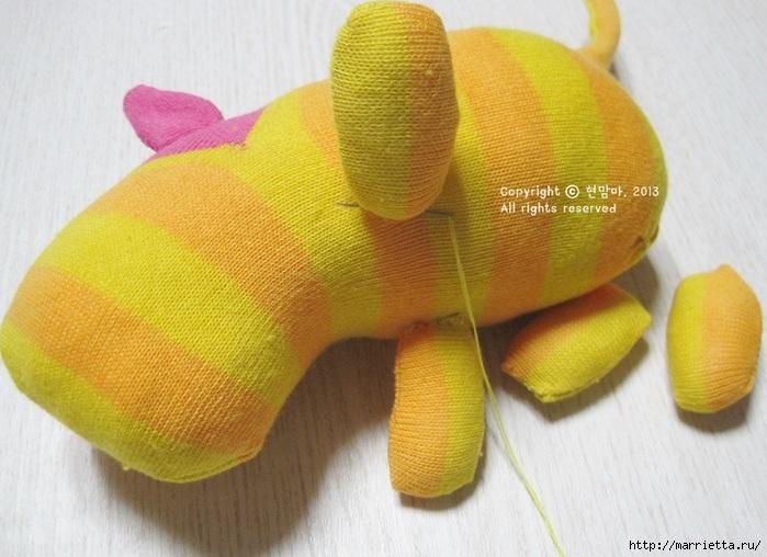игрушки из носков. собачка (20) (700x508, 197Kb)