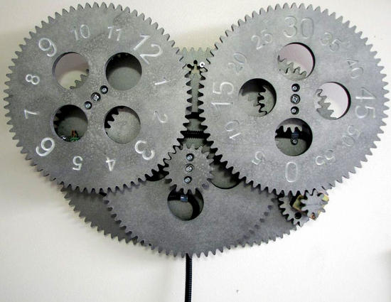 amazing-diy-gear-clock_DyYOF_25552 (550x425, 35Kb)
