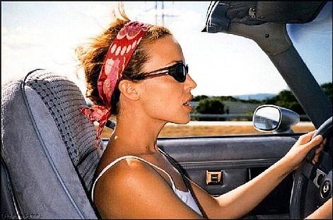 женщина за рулем (471x311, 60Kb)