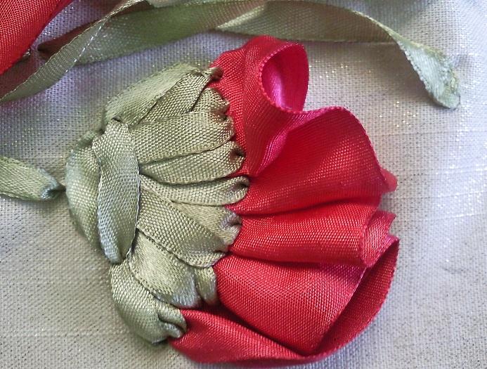 цветы из лент. красный мак.