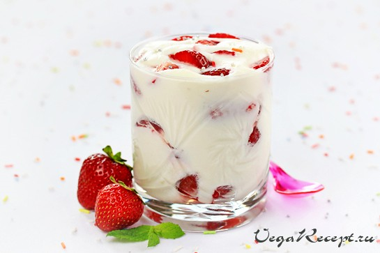 3877424_heavenlyberryparfaits1A (545x363, 35Kb)