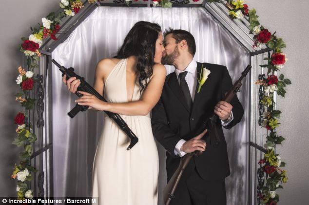 тематическая свадьба с оружием фото 5 (634x420, 48Kb)