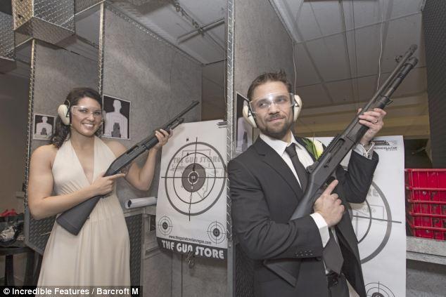 тематическая свадьба с оружием фото 8 (634x423, 45Kb)