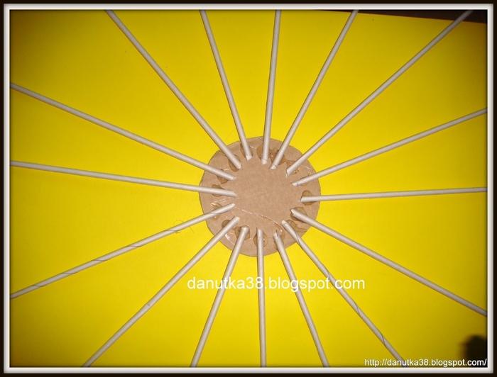 Плетение из газет. Интересная корзинка из трубочек. Мастер-класс (2) (700x532, 207Kb)