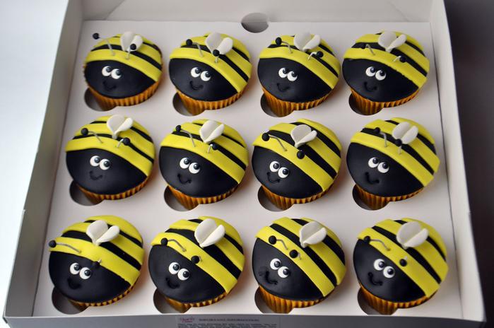 bee-cupcake-box (700x464, 344Kb)