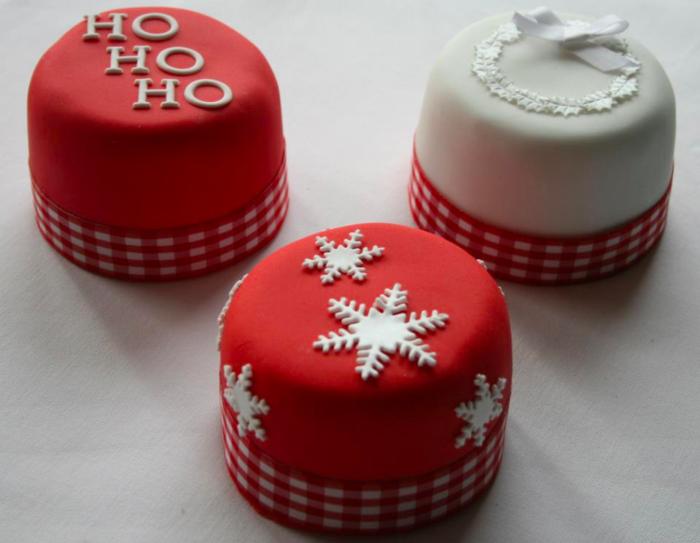 Mini-Christmas-cakes (700x543, 402Kb)