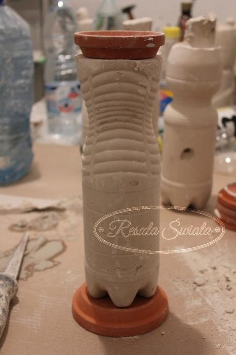 Винтажные гипсовые подсвечники из пластиковых бутылок. Мастер-класс (15) (466x700, 195Kb)