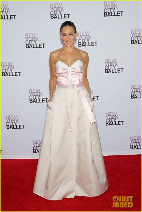sarah-jessica-parker-drew-barrymore-nyc-ballet-gala-14 (468x700, 66Kb)