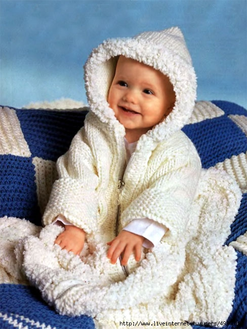 Спальный мешок и одеяло.