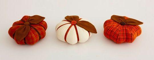 Салфетка в технике пэчворк и текстильные тыковки к Хеллоуину (6) (540x210, 40Kb)