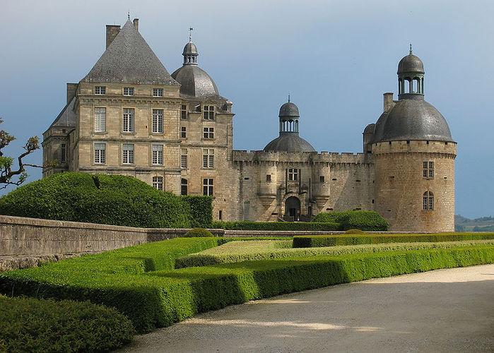 chateauhautefort-dordogne (700x500, 95Kb)