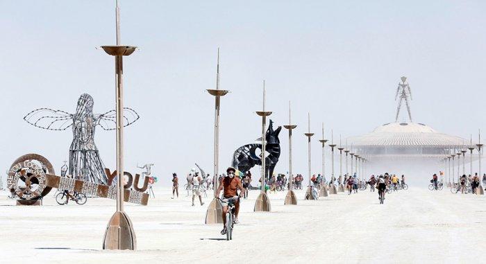 фестиваль горящий человек фото 3 (700x381, 138Kb)