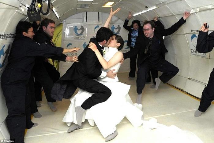 оригинальные свадебные фотографии 6 (699x469, 156Kb)