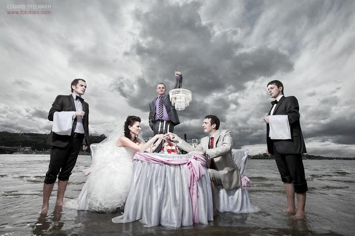 оригинальные свадебные фотографии 10 (699x466, 194Kb)