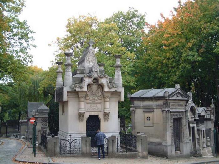 Кладбище Пер-Лашез (700x525, 73Kb)