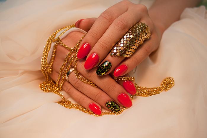 Дизайн нарощенных ногтей 2016-2017 фото новинки красные