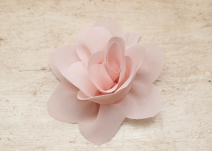 Giyim kumaş çiçek süslemeleri.  Georgette bir LOTUS (12) (700x500, 210Kb)