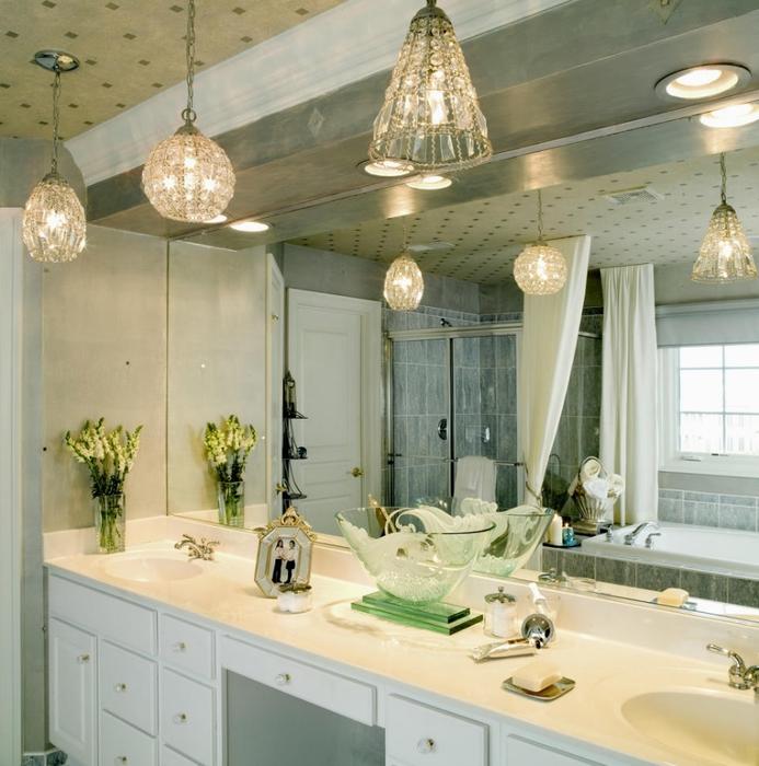 Vertical bathroom vanity lights