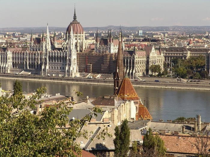 Вид_на_парламент_Будапешта,_Венгрия (700x525, 330Kb)