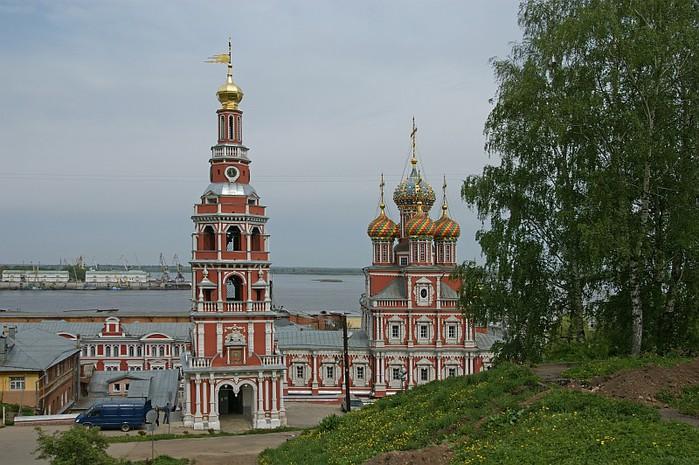 Строгановская церковь 2 (700x465, 114Kb)