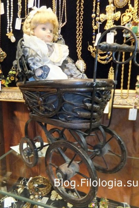 Кукла в старинной детской коляске/3241858_bl_0018 (468x700, 252Kb)