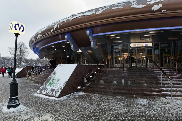 """Станция метро """"Горьковская"""". Источник: http://img0.liveinternet.ru/images/attach/c/9/105/495/105495596_2.jpg"""