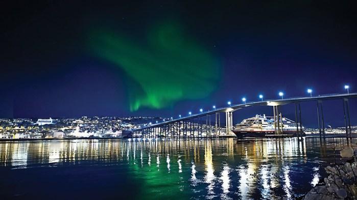 3578968_HurtigrutenTromsoNorwayKnut_Jenssen (700x393, 62Kb)
