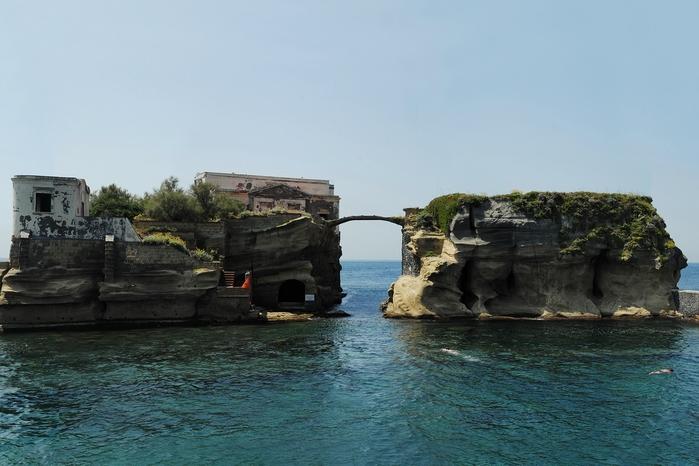 остров гайола италия фото 1 (700x466, 215Kb)