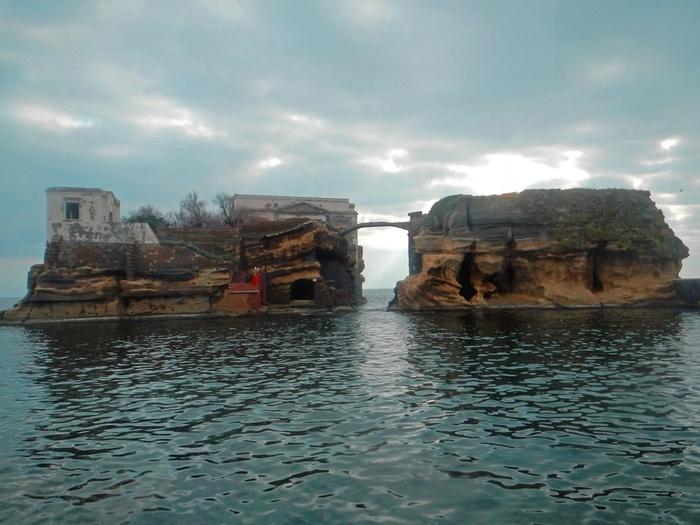 остров гайола италия фото 4 (700x525, 261Kb)