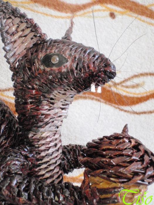Белочка из газетных трубочек. Плетение (12) (525x700, 322Kb)