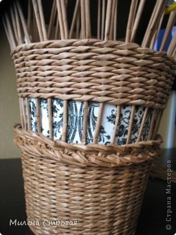 плетение из газет. кашпо для цветов (2) (360x480, 116Kb)