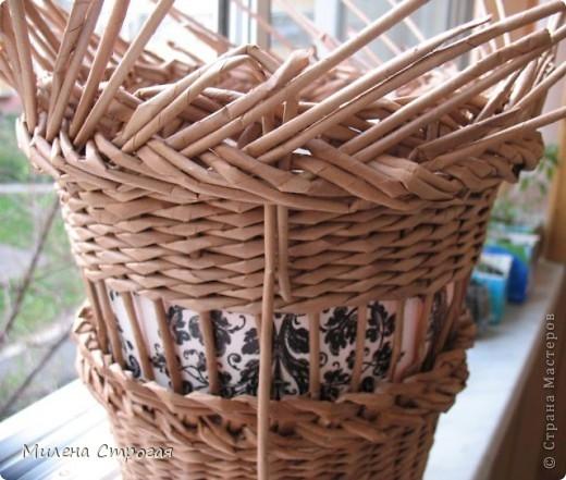 плетение из газет. кашпо для цветов (8) (520x441, 151Kb)