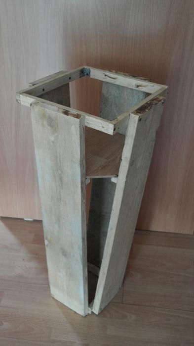 Плетение из газет. Высокое кашпо для комнатного фикуса (1) (393x700, 149Kb)