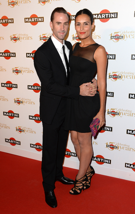 JOSEPH FIENNES & MARIA DIEGUEZ AT THE MARTINI 150TH ANNIVERSARY PARTY, LAKE COMO, ITALY (441x700, 378Kb)