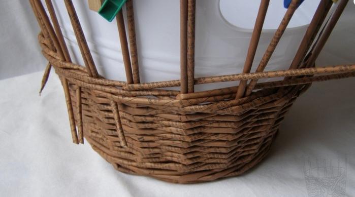 Плетение из газет. Мастер-класс по плетению верха корзинки (3) (700x389, 168Kb)