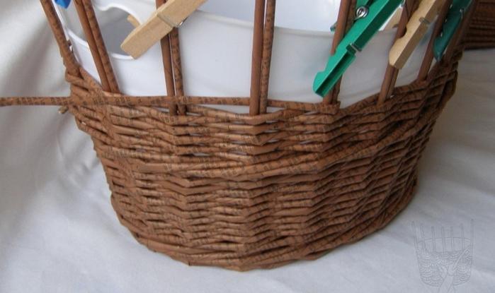 Плетение из газет. Мастер-класс по плетению верха корзинки (6) (700x415, 186Kb)
