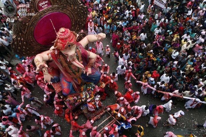 праздник Ганеша–чатуртхи фото 1 (700x466, 355Kb)