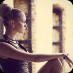 4360286_99px_ru_avatar_127979_devushka_v_busah_i_s_visokoj_pricheskoj_zadumchivo (150x150, 53Kb)