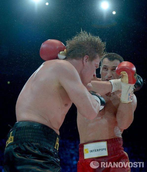 Владимир Кличко против Александра Поветкина 01 (596x700, 260Kb)