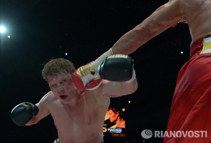 Владимир Кличко против Александра Поветкина 02 (700x473, 185Kb)