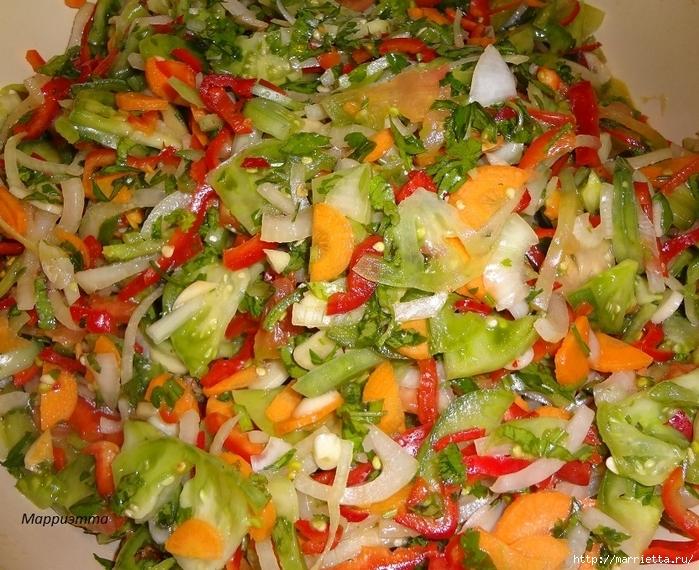 Салат из зеленых помидор с морковкой (14) (700x570, 403Kb)