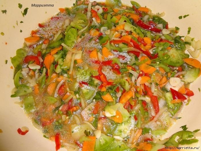 Салат из зеленых помидор с морковкой (16) (700x525, 361Kb)