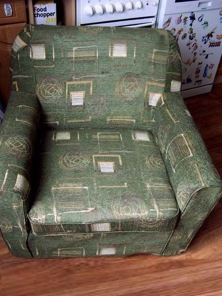 Как обновить старое кресло. Меняем обивку сами (18) (450x600, 159Kb)