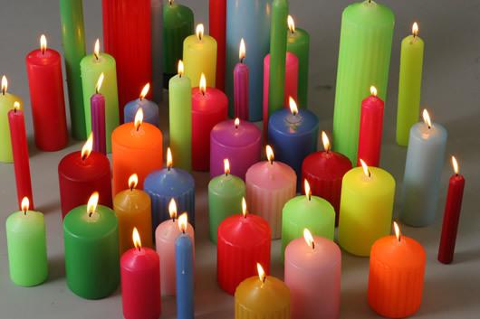 свечи.разноцветные (530x353, 48Kb)