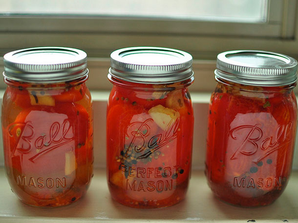 20110829-pickled-tomatoes-primary (610x458, 60Kb)