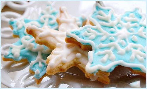 """Как сделать украшения для сладких блюд в технике """"Айсинг""""?/2565092_081130snowflakes01_1_ (494x298, 236Kb)"""